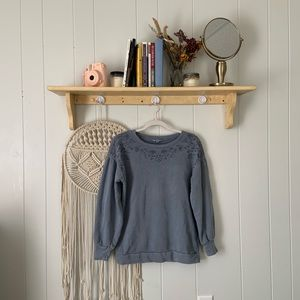AMERICAN EAGLE comfy embroidered pullover